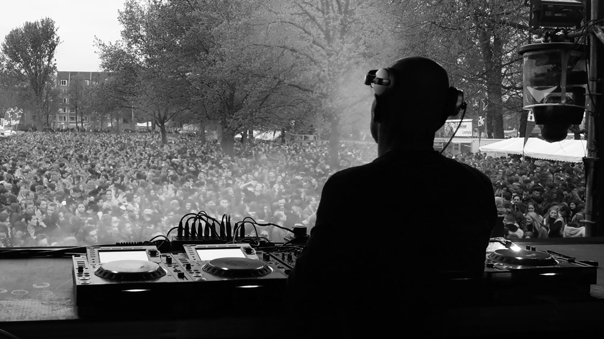 Pat Baker DJ